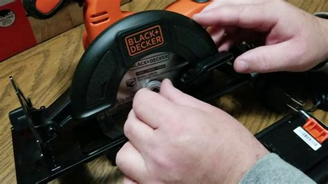 How To Install Circular Saw Blade Black And Decker